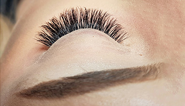 Lashes-&-brows